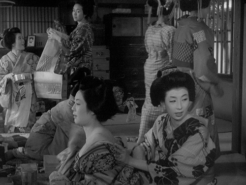 Uwasa_no_onna_Woman_in_the_Rumor_6