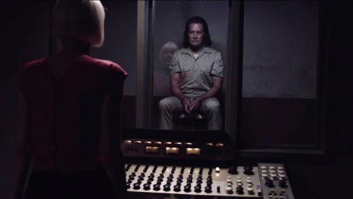 Twin-peaks-season-3-2017-016-bad-coop-facing-diane-through-interrogation-glass