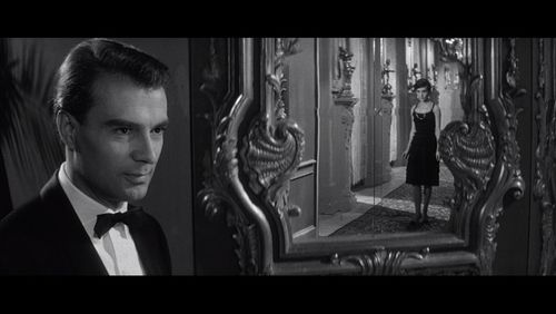 Large-last-year-at-marienbad-blu-ray1x